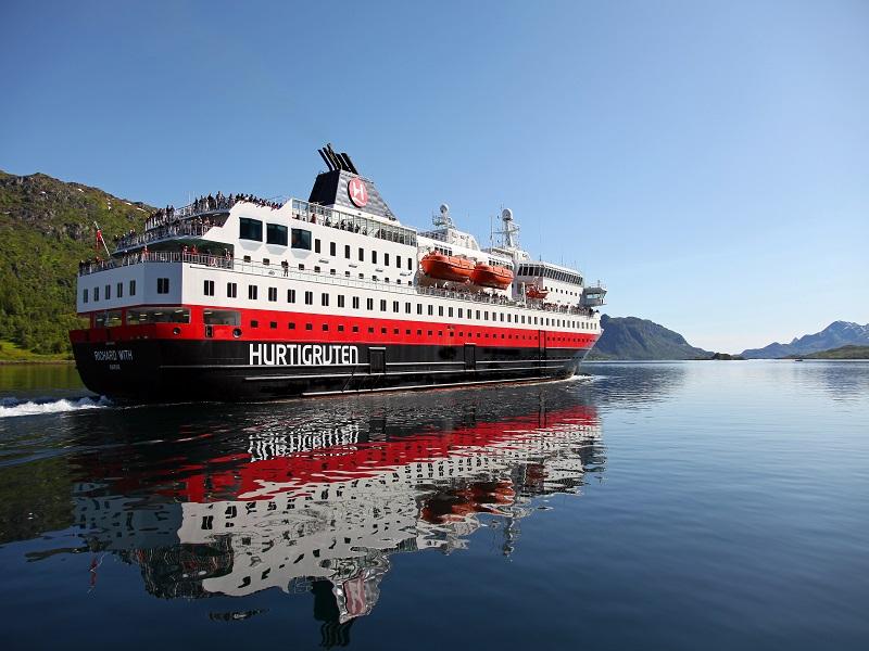 Minikryss med Hurtigruten Tromsö - Trondheim